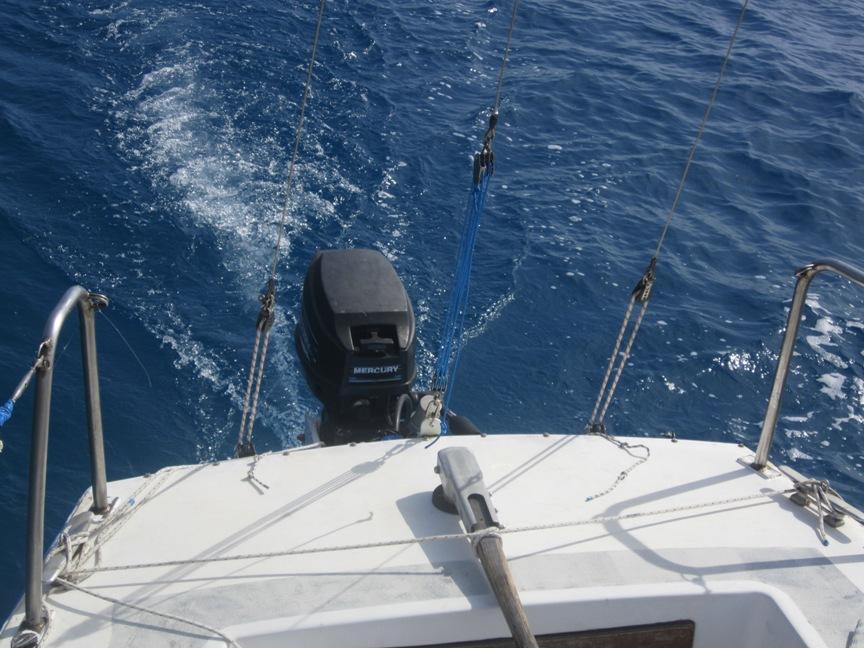 Lavori a bordo: attrezzatura di coperta, tagliando del motore, rigging, vele