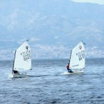Optimist in navigazione nello Stretto di Messina
