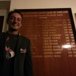 L'italiano Andrea Mura riceve il trofeo della Ostar