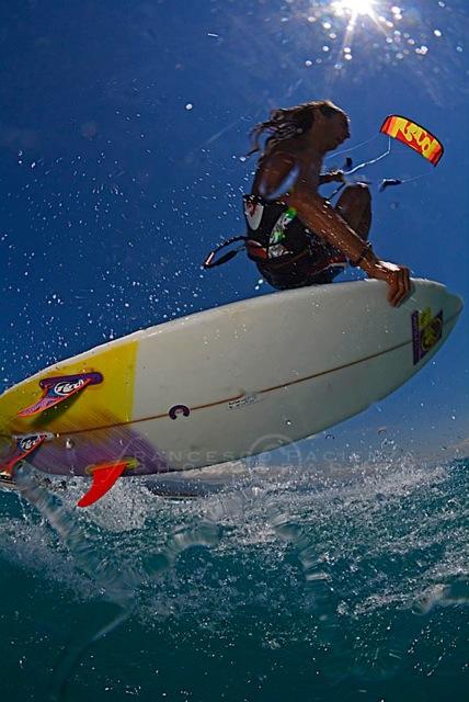 Kite, Cili and rock 'n' roll intervista al campione di kitesurf Tony Cili, il re delle onde (e del vento) (9)