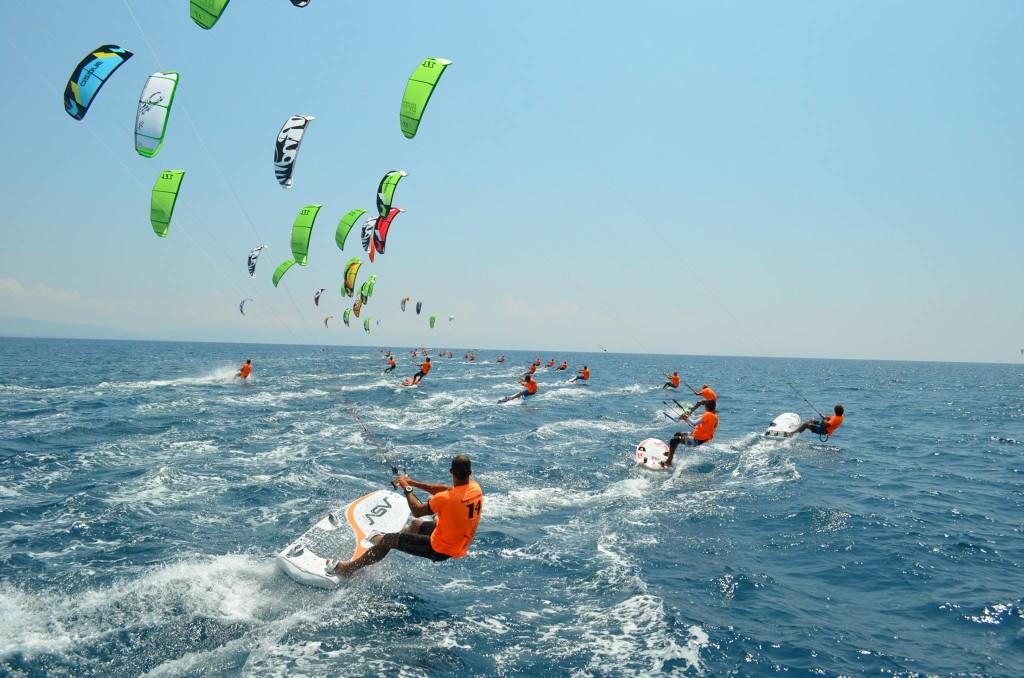 Kitesurf a Gizzeria al via il campionato del mondo specialità race (3)